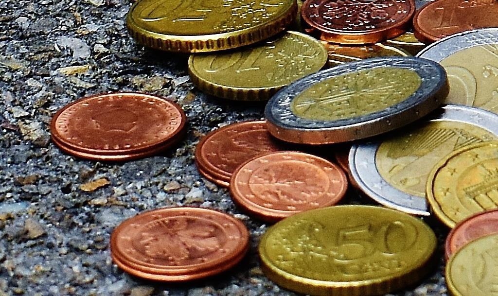 maksaa kulut tililuottoa euroja